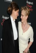 Julia Roberts and Meryl Streep Red Carpet Photost From AUGUST: OSAGE COUNTY Premiere in Los Angeles