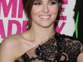 Zoey Deutch on Red Carpet – VAMPIRE ACADEMY Premiere in Los Angeles